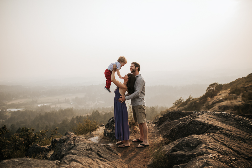 Vancouver island family photographer family lifestyle photography victoria bc 80 carly amph and will